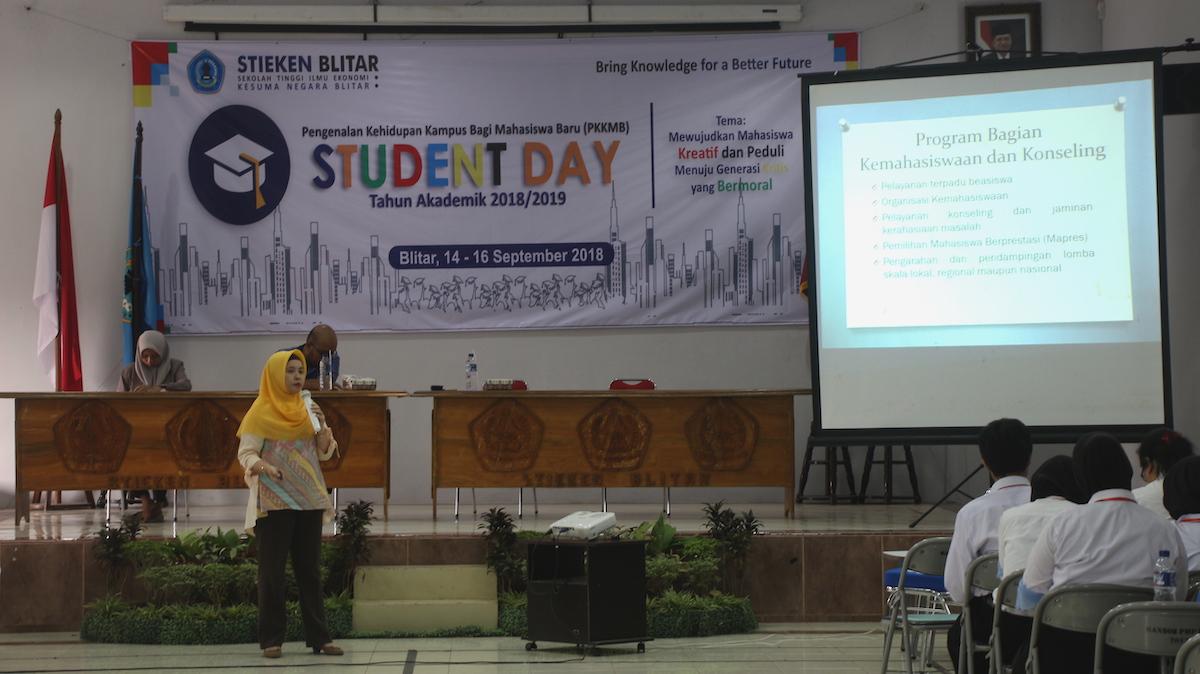 Student Day sebagai Pengenalan Kehidupan Kampus Mahasiswa Baru